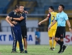 Coach Chu Dinh Nghiem receives heavy punishment, Hanoi FC loses it head coach in HAGL match