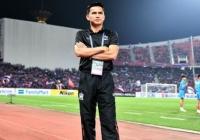 HLV Kiatisak bày tỏ điều lo lắng nhất trước trận gặp Indonesia