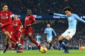 Đua vô địch Ngoại hạng Anh: Liverpool hay Man City chiếm ưu?