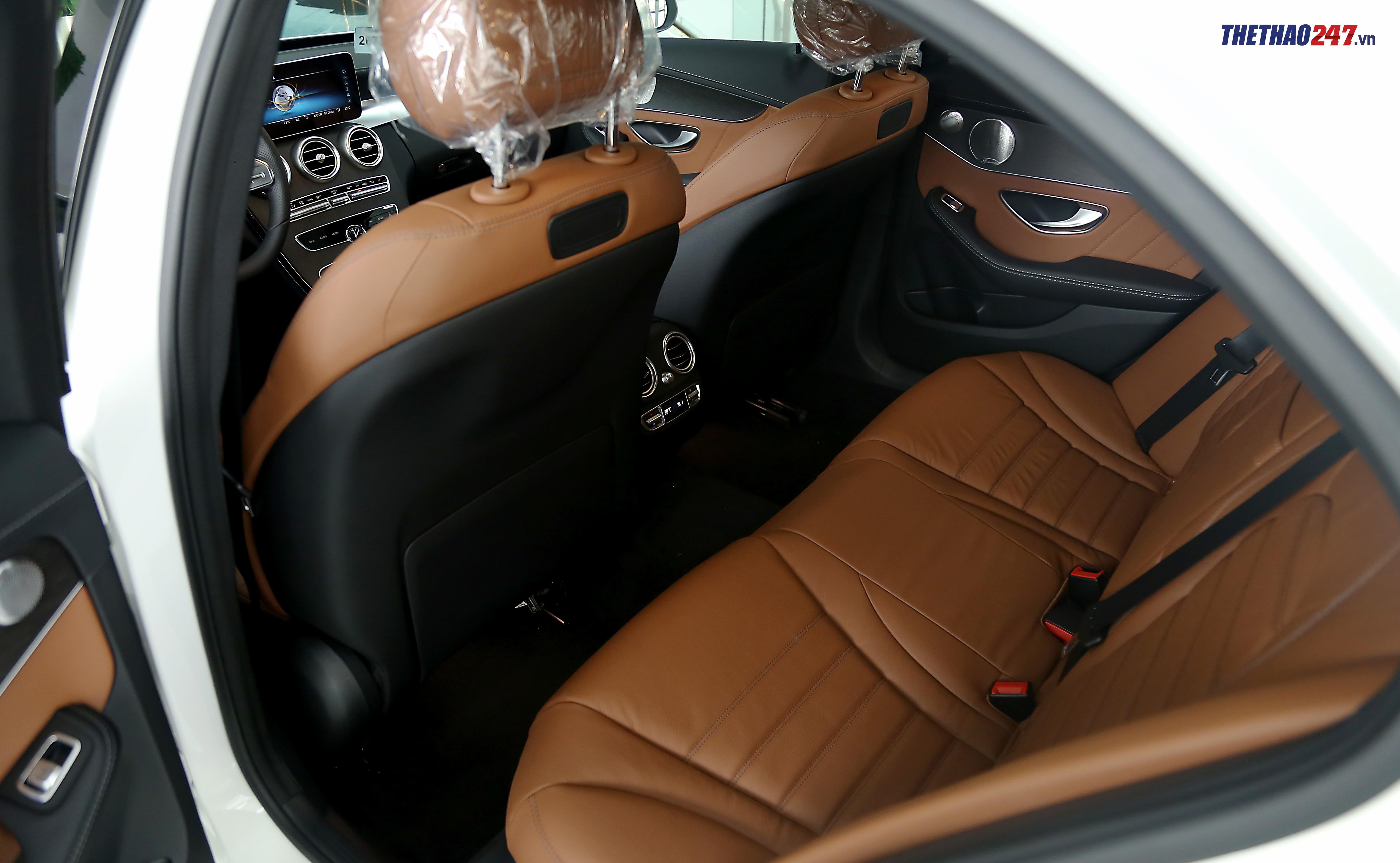Mercedes-Benz C300 AMG 2019, chi tiết xe Mercedes-Benz C300 AMG 2019, đánh giá xe Mercedes-Benz C300 AMG 2019, Mercedes-Benz C300, C300 2019, Mercedes-Benz, ô tô, E-Class, S-Class, C-Class